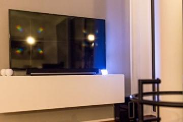 Movoja® Fernsehsimulator | LED-TV-Simulator | Einbruchschutz / Lichtsimulation | Mini-Fake-TV Fake-Fernseher | Fernsehlicht-Imitation | Attrappe gegen Einbrecher mit Lichtsensor und Timer - 4
